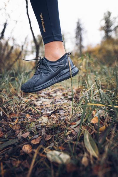 Pantofi negri sport LACES